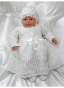 Ażurowa sukienka z czapeczką na Chrzest
